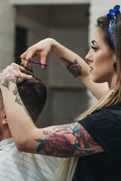 il significato del tatuaggio fiore di loto è purezza, bellezza, perfezione e cambiamento. Watercolor Tattoo, Tattoos, Tatuajes, Watercolour Tattoos, Tattoo, Watercolor Tattoos, Tattoo Illustration, Irezumi, A Tattoo