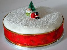 The world's best christmas cake … Christmas Cake Decorations, Christmas Party Food, Christmas Sweets, Holiday Cakes, Christmas Goodies, Christmas Fun, Xmas, Greek Desserts, Christmas Entertaining