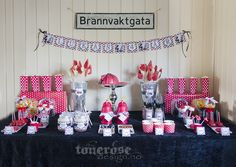 Sweet table fireman party =) Brannmannbursdag dessertbord!