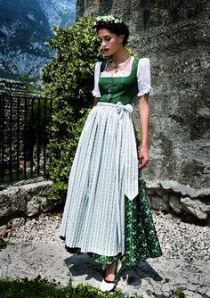 Dirndl Germany Fashion, Europe Fashion, Mori Girl, Drindl Dress, German Costume, German Outfit, Folk Fashion, Folk Costume, Sweet Dress
