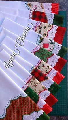 Discover thousands of images about Christmas Towels, Christmas Sewing, Diy Christmas Gifts, Dish Towels, Hand Towels, Tea Towels, Sewing Hacks, Sewing Crafts, Sewing Projects