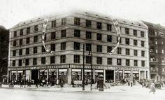 Prenzlauer Allee Ecke Ahlbecker Strasse Anfang der 30er Jahre,quasi der Vorgaenger der 1Euro-Shops....Einheitspreiskaufhaus.