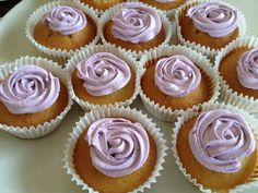 Vanilla cupcakes with buttercream for my sister in law..not that success but want to upload for my personal record