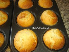 Betty's Cuisine: Muffins με καρύδα Cap Cake, Muffin Cups, Breakfast Time, Chocolate Cake, Muffins, Food And Drink, Sweets, Eat, Cooking