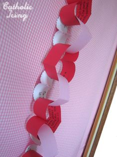 valentine's day countdown chain with a bible verse about love on each link. free printable.