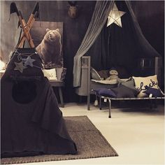 Dark, moody and magical kids rooms http://petitandsmall.com/dark-magical-kids-rooms/