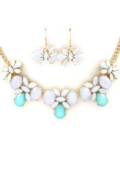 Iridescent Sky Mia Necklace | Awesome Selection of Chic Fashion Jewelry | Emma Stine Limited
