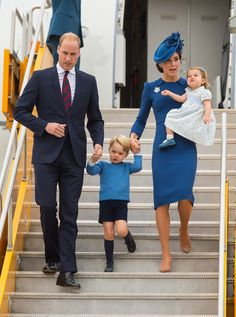 Kate Middleton Photos Photos - Prince William, Duke of Cambridge, Catherine, Duchess of Cambridge, Prince George of Cambridge and Princess Charlotte of Cambridge arrive at 443 Maritime Helicopter Squadron near Victoria international airport on September 24, 2016 in Victoria, Canada. - 2016 Royal Tour to Canada of the Duke and Duchess of Cambridge - Victoria, British Columbia