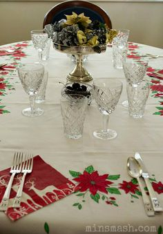 365 Grateful – Day 332:  I'm grateful to have spent Christmas day with my family.  I'm grateful my Dad has recovered from recent illness and was well and able to enjoy the day.  The photograph is of the dining table at Mum and Dad's house where we ate Christmas lunch. #christmas, #christmastable