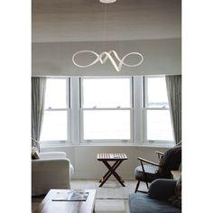 Αναζητήστε κάτι μοναδικό και ιδιαίτερο για το σαλόνι ή την τραπεζαρία σας. Στην #Klimafot θα βρείτε μοντέρνα κρεμαστά φωτιστικά #LED για όλα τα γούστα!