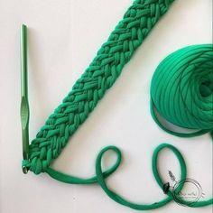 Diy Crafts - knitting,and-Pulsera collar tirantes cintas. Ganchillo / crochet knittingandcrochet knitting and crochet videos Crochet Cord, Crochet Bracelet, Cute Crochet, Crochet Stitches, Crochet Handles, Crochet Basket Pattern, Crochet Patterns, Knitting Patterns, Crochet Bag Tutorials