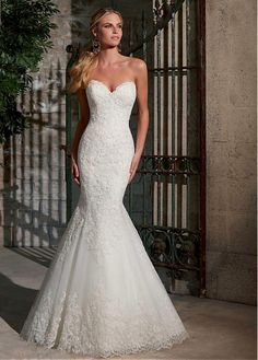 Elegant Organza Sweetheart Neckline Natural Waistline Mermaid Wedding Dress With Lace Appliques