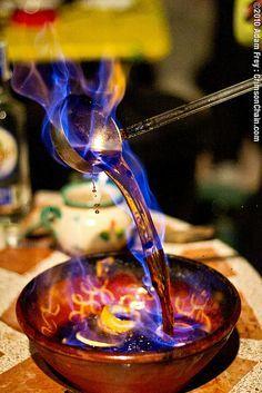 Cremat : Rom, llimona, canella flambejada. #Cataluny