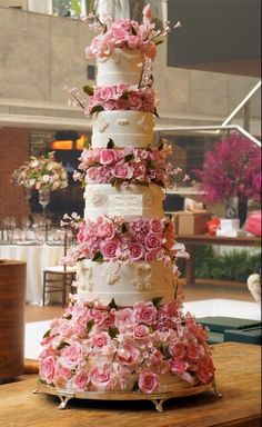 Mega bolo de 10 andares, em tons de rosa e super romântico, www.simoneamaral.com - www.fb.com/simoneamaralpatisserie - www.instagram.com/simoneamaralofficial - www.simoneamaralsweets.blogspot.com.br