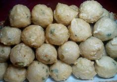 Pempek Adaan Cake Recipes, Snack Recipes, Dessert Recipes, Cooking Recipes, Snacks, Indonesian Desserts, Indonesian Cuisine, Happy Cook, Malay Food