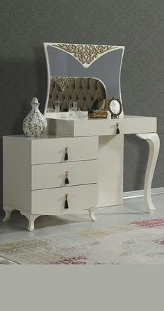Best 50 modern dressing table designs for bedrooms 2019 Bedroom Bed Design, Bedroom Furniture Design, Home Room Design, Home Decor Furniture, Luxury Furniture, Bedroom Decor, Built In Cupboards Bedroom, Modern Dressing Table Designs, Centre Table Design