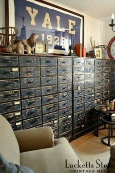 cabinets and dressers in industrial style exude a lot of charm. -Old cabinets and dressers in industrial style exude a lot of charm. Industrial Furniture, Industrial Style, Vintage Industrial Decor, Industrial Office, Farmhouse Furniture, Design Retro, Design Design, Old Cabinets, Cupboards