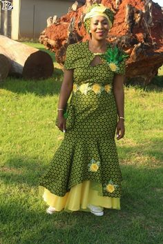 Top Green shweshwe dresses for 2018 - Reny styles Seshweshwe Dresses, Cheap Dresses, Vintage Dresses, Casual Dresses, Chiffon Dresses, Ladies Dresses, Floral Dresses, Party Dresses, Lace Dress