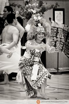 Siva Samoa, Such beauty and grace! I love being a beautiful Samoan Woman!