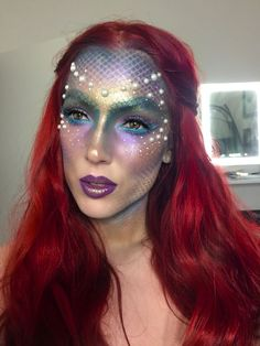 DIY mermaid costume your costume idea for halloween, mardi gras and carnival Halloween Makeup Looks, Halloween Make Up, Halloween 2016, Mermaid Halloween Makeup, Mermaid Makeup Looks, Little Mermaid Makeup, Halloween Horror, Halloween Carnival, Costume Halloween