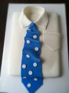 How To Make A Shirt And Tie Cake - bell' alimento Baking Cupcakes, Cupcake Cookies, Shirt Cake, Fathers Day Cake, Cakes For Men, Guy Cakes, Icing Colors, Easy Family Dinners, Food Garnishes