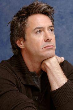 http://cinemacomrapadura.com.br/imagens/2010/11/robert-downey-jr.jpg