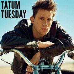 435 vind-ik-leuks, 7 reacties - Tatum Tuesday (@tatumtuesday) op Instagram: 'Happy #TatumTuesday @channingtatum  #channingtatum #channing #tatum #tuesday #GQ #motorbike'