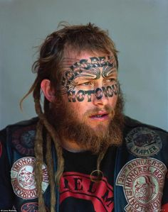 Beautiful Portraits of New Zealand& Largest Gang Will Give You Shivers A bunch of disaffected youths banded collectively in Hawkes Bay, New Zealand;they grew into the Mongrel Mob, the most important gang within the. Cyberpunk, Biker Clubs, Motorcycle Clubs, Motorcycle Jacket, Outlaws Motorcycle Club, Estilo Tribal, City Gallery, Mongrel, Paris Match