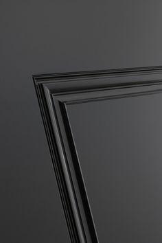 De Bod'or collectie is opgebouwd uit een unieke collectie deuren, van basic tot iconen. Elk te combineren met diverse systemen om te openen en te sluiten. Bijpassend garnituur en hoogwaardig hang & sluitwerk maken het tot een geheel.