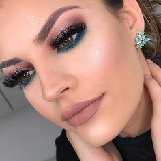Makeup Looks Evening Eye Makeup Teal Makeup, Subtle Makeup, Makeup For Green Eyes, Girls Makeup, Dramatic Makeup, Natural Makeup, Edgy Makeup, Formal Makeup, Natural Beauty