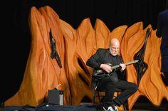 3D Printed Cello, 2-String Violin & Single String Bass Guitar Stun Crowds at 3D Print Week NY http://3dprint.com/59182/3d-printed-cello-violin-guitar/…