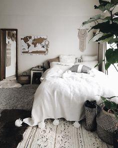 40 Unique Bohemian Bedroom Decoration Ideas 10 Moving again Bohemian Bedroom Decor Bedroom Bohemian Decoration Ideas moving Unique Trendy Bedroom, Cozy Bedroom, White Bedroom, Dream Bedroom, Modern Bedroom, Master Bedroom, Bohemian Decoration, Bohemian Bedroom Decor, Bohemian Room