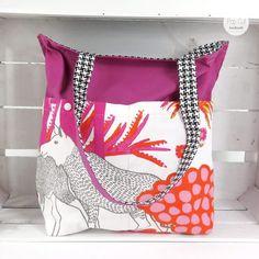 Wendetasche: Der robuste Baumwollstoff ist ideal für den große Einkauf. Die Tasche ist sehr stabil. Durch die Wendemöglichkeit, kann man die Außenseit je nach Lust und Laune variieren., pink Abmessungen: ca. 42 x 45 cm Preis: € 29,- Jetzt bestellen: http://www.popcut.at/diy/webshop/