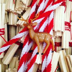 Deer candy cane poles tiny bundle of sticks red string = magic waiting to happen  #deer #crafts #christmas #adorable #gift #cute #love #instagood #happy #selfie #fun #tiny