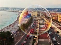 Barcelona a través de una burbuja, expo de fotos que cuenta de una Barcelona a través de una lente de burbuja en Hotel Le Méridien #expofotos #exposición #fotosbarcelona