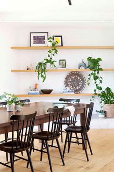 A Melbourne family merges their old Edwardian house with a modern extension to create a home bursting with light, space and character, with build in shelves next to dining room House Design, Loft Style, Built In Shelves, Loft Dining Room, Australian Homes, Home, Contemporary House, Edwardian House, Modern Extension