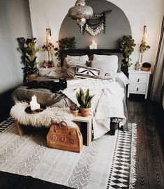 Modern Bedroom Ideas - Searching for the best bedroom design ideas? Utilize these lovely modern bedroom ideas as ideas for your own amazing decorating system . Home Bedroom, Modern Bedroom, Modern Bohemian Bedrooms, Bedroom Small, Eclectic Bedrooms, Modern Boho, Ikea Bedroom, Contemporary Bedroom, Bedroom 2018