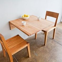 This is perfect for a small dining area. hmm gives me an idea, too ...