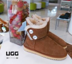 Classic Ugg Boots, Ugg Classic, Uggs, Shoes, Fashion, Moda, Zapatos, Shoes Outlet, Fashion Styles