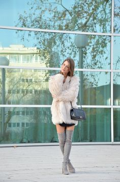 Outfit Grey Stuart Weitzman over the knee boots & chanel boy bag
