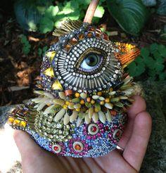 A Bird in Hand :: Mosaic Art