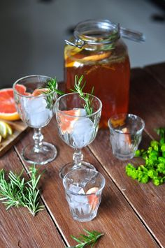 Domowa lemoniada z rozmarynem // Homemade rosemary lemonade | Make Life Easier
