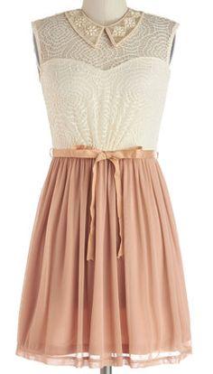 Lace and chiffon dress http://rstyle.me/n/gc6ihnyg6