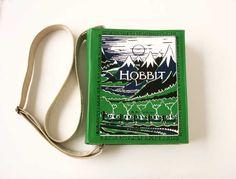 A coleção de livros tem de Harry Potter a Edgar Allan Poe.