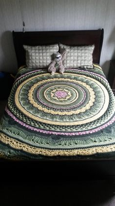 #_RINGS of Change Crochet Bedspread or Rug. Pattern avail on Ravelry, $6.99. Nice colors.