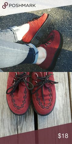 """Burgendy Creeper Platforms Super cute and trendy light weight platform creepers ! Burgundy with black laces.   No brand, size is 38 but they are too small for me. I am a size 8.5. Probably would fit a size 7.  2.5"""" platform.  These are not the real deal high quality creepers! They are a mass produced staple from a fast fashion retail store like Forever 21 or Charlotte Russe. 8/10 condition with a few poorly manufactured imperfections. They still are super cute and can totally complete any…"""