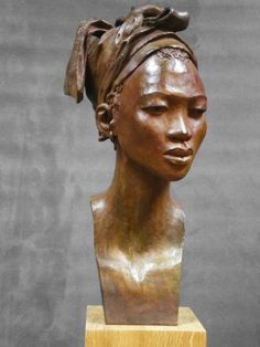 Discover recipes, home ideas, style inspiration and other ideas to try. African Sculptures, Sculptures Céramiques, Ceramic Figures, Ceramic Art, Ceramic Decor, Statue Art, Sculpture Head, Abstract Sculpture, Wood Sculpture
