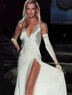 80s-90s-supermodels: Versace catwalk, 1995Model : Karen Mulder