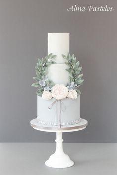 French vintage styled wedding cake