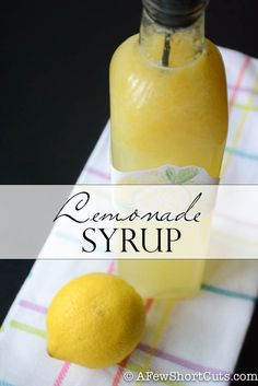 Homemade Lemonade Syrup makes the best fresh lemonade ever! Perfect for gifts, and free printable labels #recipe